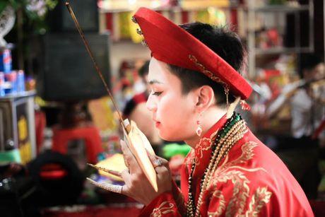 Khoanh khac cau dong Thanh Hoa giong con gai den ngo ngang - Anh 2