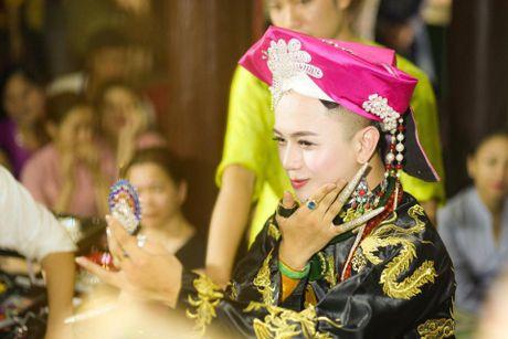 Khoanh khac cau dong Thanh Hoa giong con gai den ngo ngang - Anh 5