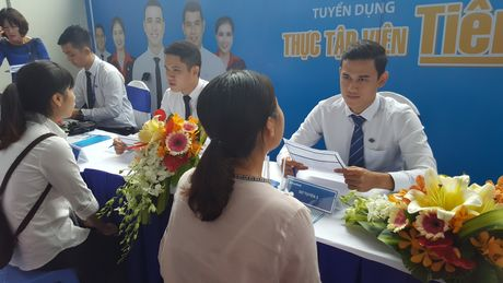 Ngay hoi tuyen dung – UEL Career Day 2016 - Anh 1