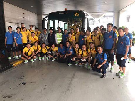 HLV Riedl va hoc tro cu Huu Thang nong long gap lai nhau tai Indonesia - Anh 4