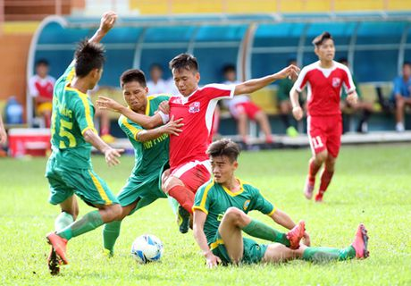 Giai U.21 Bao Thanh Nien 2016: Long An tranh chung ket bang voi PVF - Anh 2