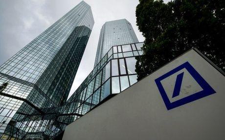Deutsche Bank tim phao boi qua con song khung hoang - Anh 1