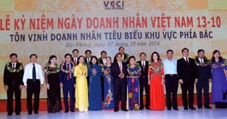 Ton vinh doanh nhan khu vuc Duyen hai phia Bac nhan ngay Doanh nhan Viet Nam - Anh 1