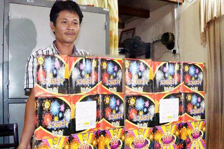 Ha Tinh: Bat nong gan 100 kg phao no xuat xu Trung Quoc - Anh 1