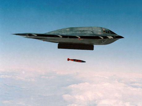 My thu nghiem tha 2 bom hat nhan B-61 - Anh 1