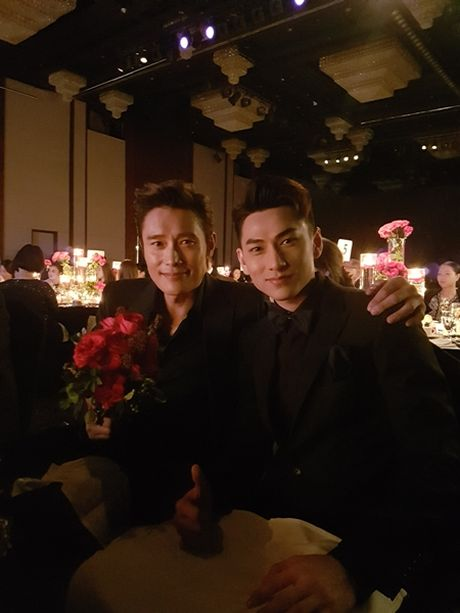Isaac nhan giai thuong 'Ngoi sao moi' tai Lien hoan phim quoc te Busan - Anh 2
