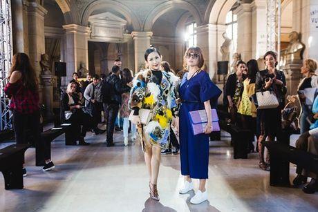 Nhung khoanh khac VIP cua Tram Nguyen tai Paris Fashion Week - Anh 11