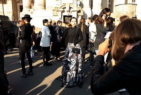 Nhung khoanh khac VIP cua Tram Nguyen tai Paris Fashion Week - Anh 1