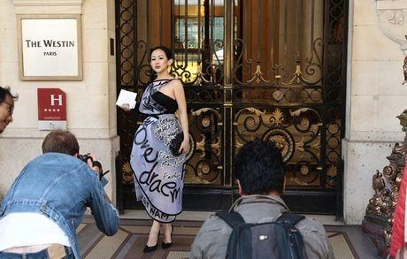 Nhung khoanh khac VIP cua Tram Nguyen tai Paris Fashion Week - Anh 3