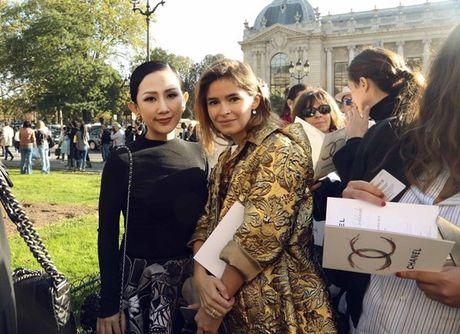 Nhung khoanh khac VIP cua Tram Nguyen tai Paris Fashion Week - Anh 4