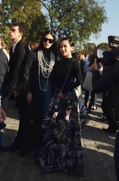 Nhung khoanh khac VIP cua Tram Nguyen tai Paris Fashion Week - Anh 6