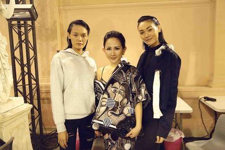 Nhung khoanh khac VIP cua Tram Nguyen tai Paris Fashion Week - Anh 7