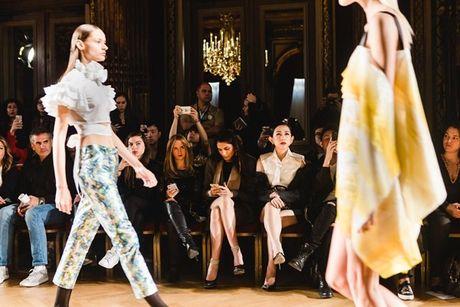 Nhung khoanh khac VIP cua Tram Nguyen tai Paris Fashion Week - Anh 8