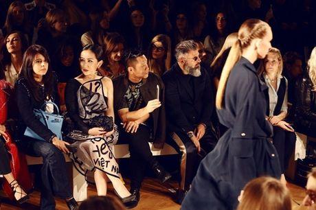 Nhung khoanh khac VIP cua Tram Nguyen tai Paris Fashion Week - Anh 9