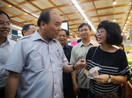 Thu tuong Nguyen Xuan Phuc khuyen khich mo hinh cua Co.opmart - Anh 4
