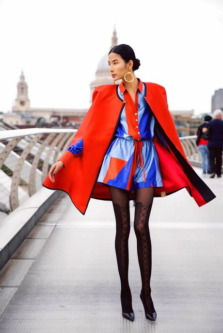 Hoang Thuy khoe street style ruc ro o London - Anh 3