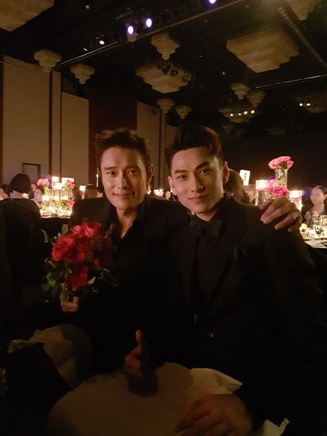 'Thai tu' Isaac bat ngo nhan giai tai Lien hoan phim lon nhat chau A - Anh 2