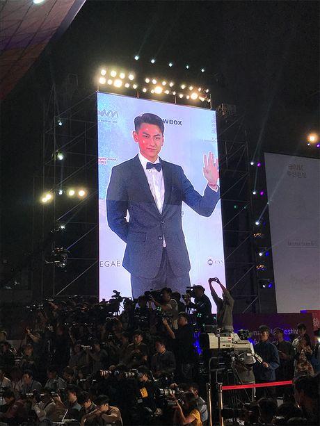 'Thai tu' Isaac bat ngo nhan giai tai Lien hoan phim lon nhat chau A - Anh 7