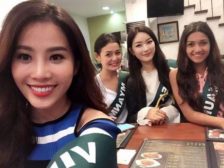 Nam Em dien bikini khoe than hinh nong bong tai Miss Earth 2016 - Anh 5