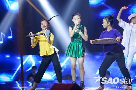 Dong Nhi tu tay may do cho hoc tro, Khanh Ngoc - Thuy Binh lot xac bat ngo - Anh 4