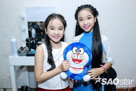 Chi Pu nhi nhanh, tao dang dang yeu ben Ngo Kien Huy trong hau truong The Voice Kids - Anh 11