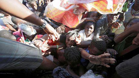 Gan 1.000 nguoi thiet mang o Haiti vi bao Matthew - Anh 1