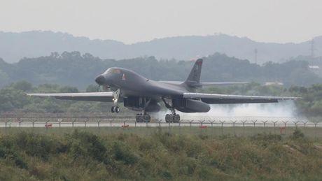 Trieu Tien to My cho oanh tac co B-1 bay gan ban dao Trieu Tien - Anh 1