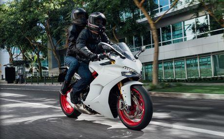 Ducati gioi thieu xe the thao moi de dieu khien - Anh 1