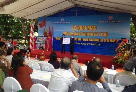 Kon Tum to chuc trien lam Hoang Sa va Truong Sa la cua Viet Nam - Anh 1