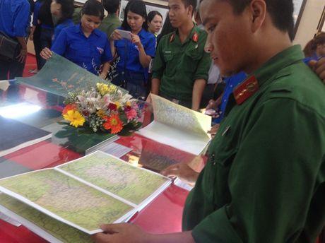 Kon Tum to chuc trien lam Hoang Sa va Truong Sa la cua Viet Nam - Anh 4