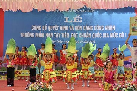 Mot buoi le dac biet o ngoi truong mam non mang ten Tay Tien - Anh 13