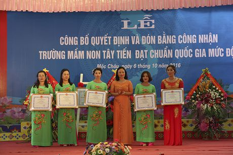 Mot buoi le dac biet o ngoi truong mam non mang ten Tay Tien - Anh 8