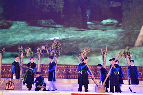 Yen Bai: Khai mac le hoi que huyen Van Yen lan thu 2 - Anh 2