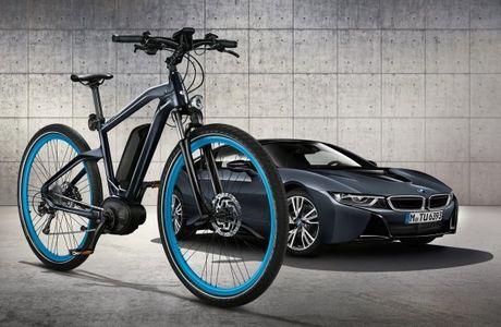 Mau xe dap Cruise e-Bike dac biet - 'song sinh' voi BMW i8 2016 - Anh 1