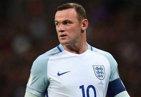 Southgate quyet benh vuc Rooney sau bao chi trich - Anh 1