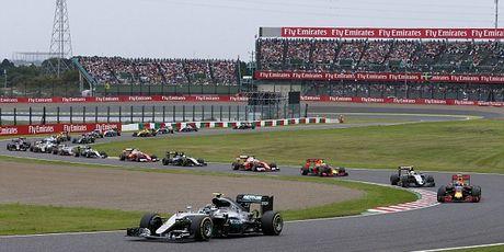 Sai lam luc xuat phat, Hamilton guong cuoi ngay Mercedes vo dich truoc bon chang dua - Anh 4