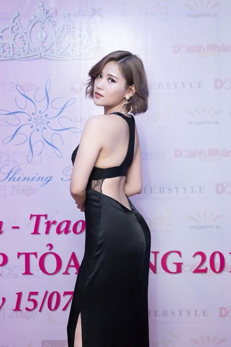 Nhan sac 'an dut' Hari Won cua 'ban gai moi'Tien Dat - Anh 6