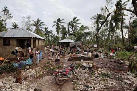 Canh hoang tan va chet choc o Haiti sau con bao lich su Matthew - Anh 19