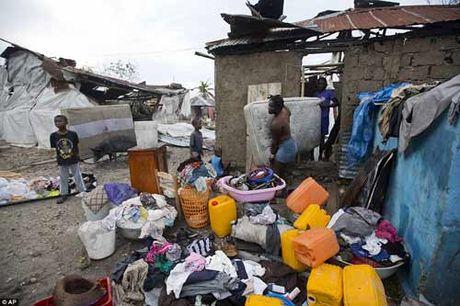 Canh hoang tan va chet choc o Haiti sau con bao lich su Matthew - Anh 20