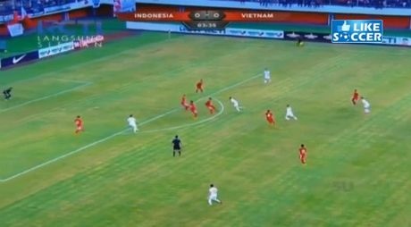 """Indonesia - Viet Nam: """"Thuy chien"""" giau cam xuc - Anh 1"""