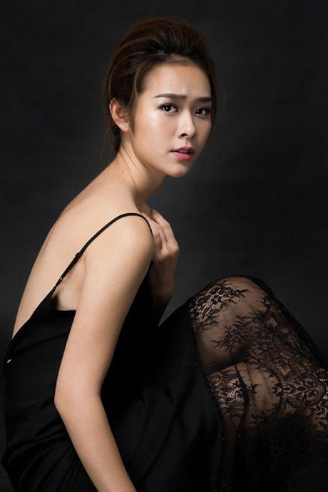 Dien vien Diep Bao Ngoc: Mim cuoi voi dang cay - Anh 1