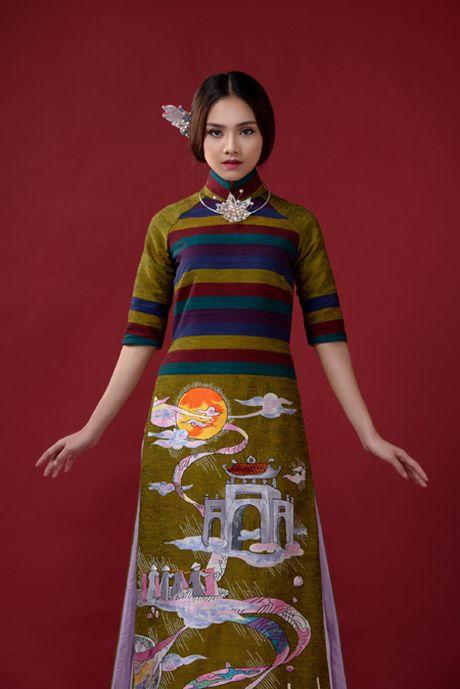 Nguoi dep To Nhu giup NTK Lan Huong giu 'Cong lang' - Anh 1