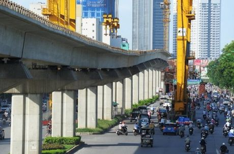 Can canh tuyen duong sat tren cao dau tien cua Ha Noi - Anh 1