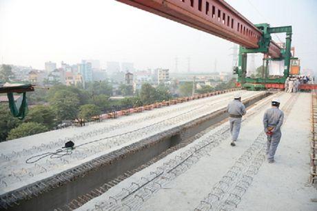 Can canh tuyen duong sat tren cao dau tien cua Ha Noi - Anh 4