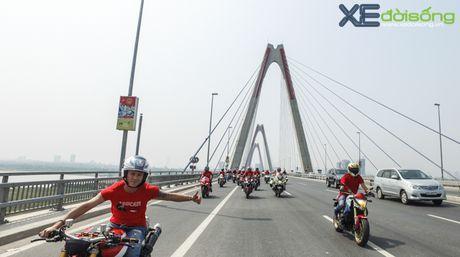 Dan xe Ducati do ruc duong pho Ha Noi mung sinh nhat D.O.C - Anh 2