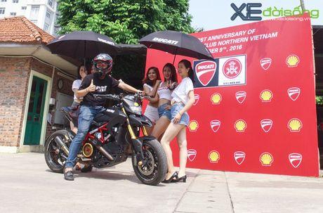Dan xe Ducati do ruc duong pho Ha Noi mung sinh nhat D.O.C - Anh 6