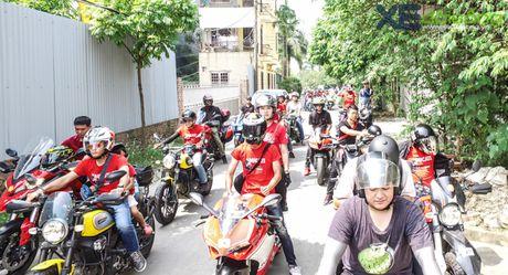 Dan xe Ducati do ruc duong pho Ha Noi mung sinh nhat D.O.C - Anh 7
