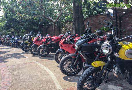 Dan xe Ducati do ruc duong pho Ha Noi mung sinh nhat D.O.C - Anh 9