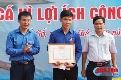 Tuoi tre Ha Tinh soi noi cac hoat dong tinh nguyen vi cong dong - Anh 2