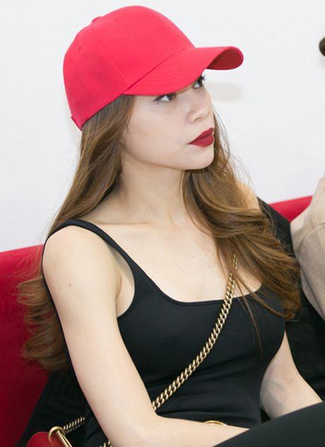 My nhan Viet chay theo mot khong noi y - Anh 1